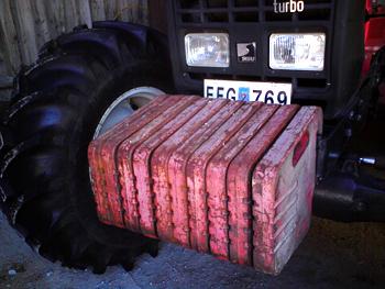 Frontvikter till traktor